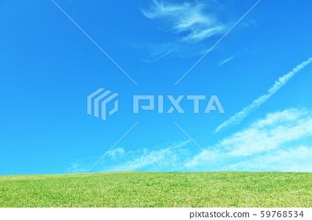 ที่ราบสูงท้องฟ้าสีฟ้าสดชื่น 59768534