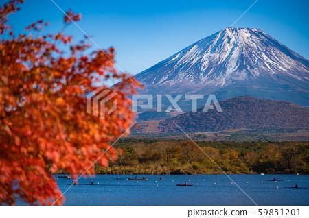 [秋天]从昭治湖看富士山 59831201