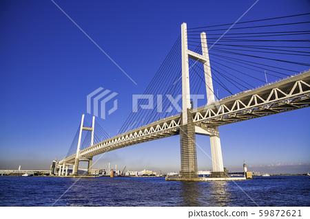 (神奈川县)横滨湾大桥在横滨港/湾上的巡游中看到 59872621