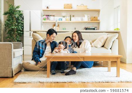 家庭,父母和子女,家 59881574
