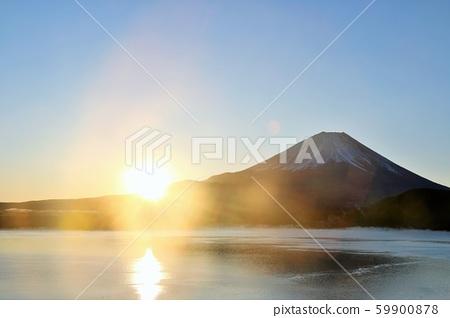 日本的黎明富士山和太陽 59900878