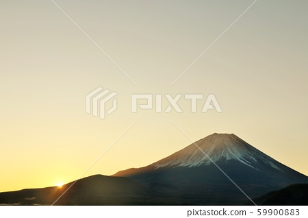 日本的黎明富士山和太陽 59900883
