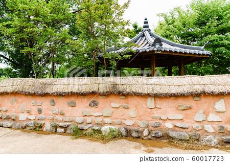 한국 안동 전통 한옥의 아름다운 목조 건물 60017723