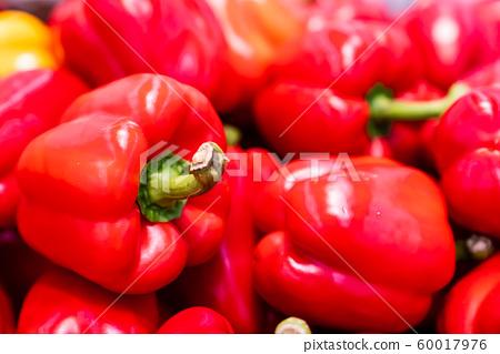화려한 원색의 신선하고 건강한 채소 파프리카 60017976