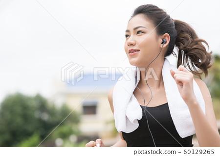 여성 스포츠웨어 달리기 60129265