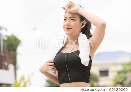 여성 스포츠웨어 달리기 60129269