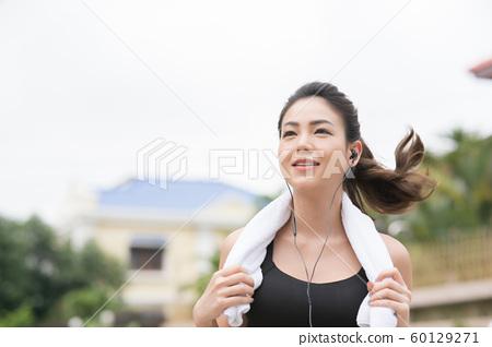 여성 스포츠웨어 달리기 60129271
