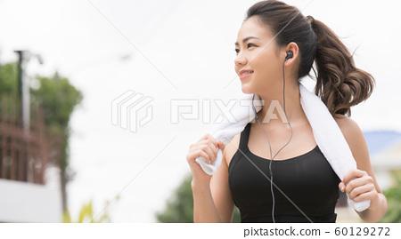 여성 스포츠웨어 달리기 60129272