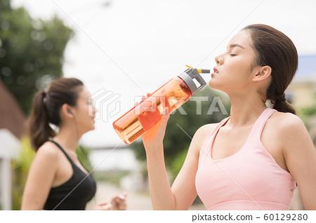 여성 스포츠웨어 달리기 60129280