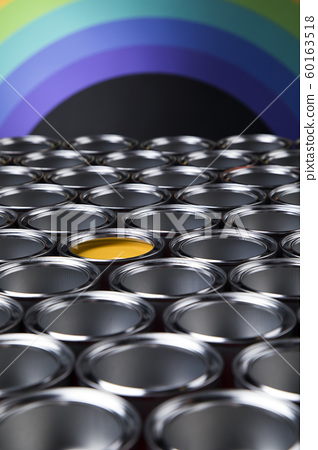 Group of tin metal cans with color paint 60163518