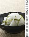 Immediate pickle of radish and kelp 15 60237892