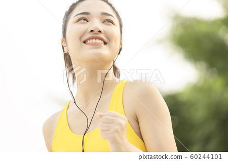 여성 스포츠 달리기 60244101