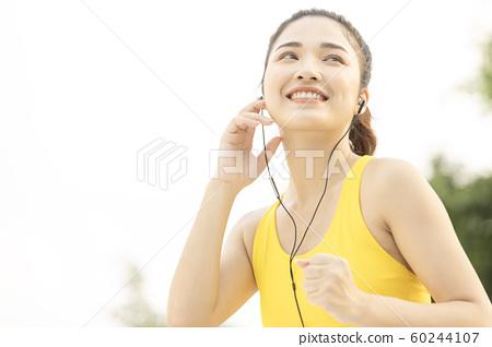 여성 스포츠 달리기 60244107
