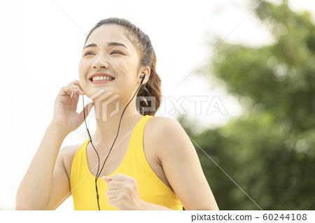 여성 스포츠 달리기 60244108