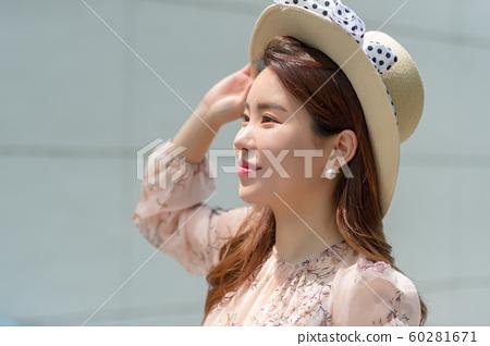 아름다운 대한민국 여성의 표정, 공원 산책 60281671