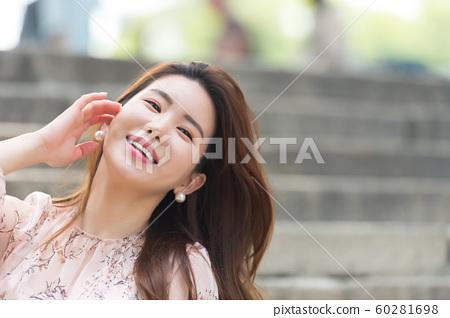 아름다운 대한민국 여성의 표정, 공원 산책 60281698