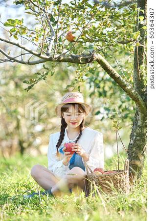 農業女性生活方式蘋果 60364307