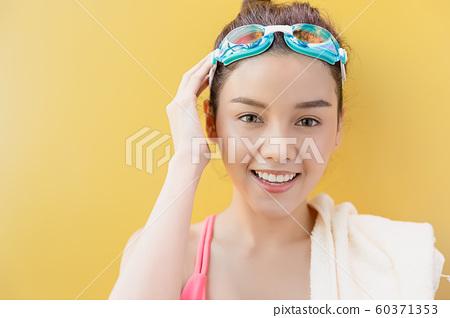女子運動游泳 60371353