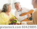 가족 라이프 스타일 음악 60429895