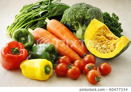 綠色黃色蔬菜 60477334