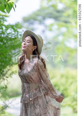 아름다운 대한민국 여성의 표정, 공원 산책 60502596