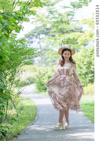 아름다운 대한민국 여성의 표정, 공원 산책 60502614
