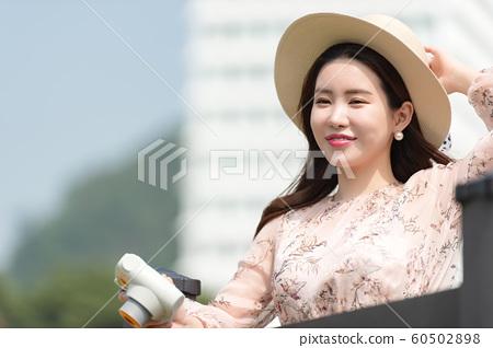 아름다운 대한민국 여성의 표정, 공원 산책 60502898