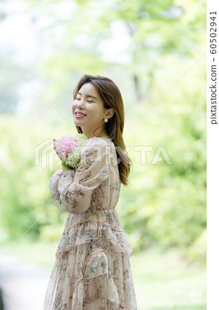 아름다운 대한민국 여성의 표정, 공원 산책 60502941