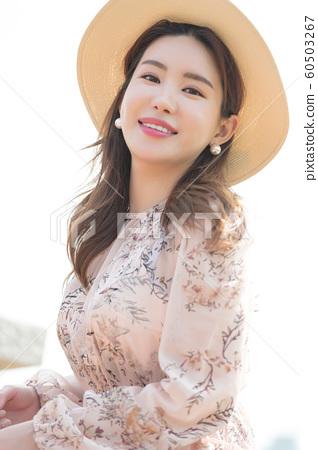 아름다운 대한민국 여성의 표정, 공원 산책 60503267