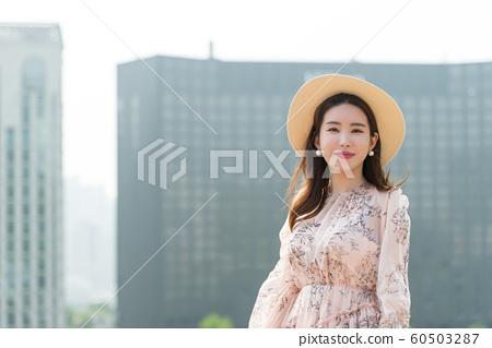 아름다운 대한민국 여성의 표정, 공원 산책 60503287
