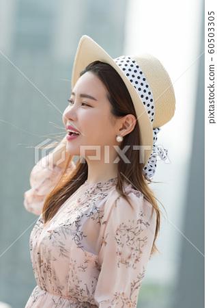 아름다운 대한민국 여성의 표정, 공원 산책 60503305