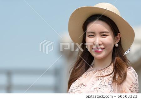 아름다운 대한민국 여성의 표정, 공원 산책 60503323