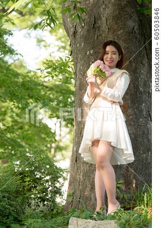 아름다운 대한민국 여성의 표정, 공원 산책 60503846