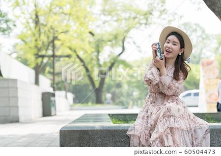 아름다운 대한민국 여성의 표정, 공원 산책 60504473