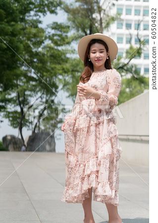 아름다운 대한민국 여성의 표정, 공원 산책 60504822