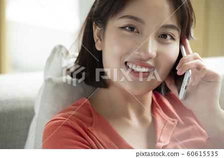 女孩手機 60615535