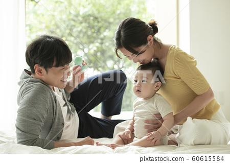 가족 엄마 아빠 유아 60615584
