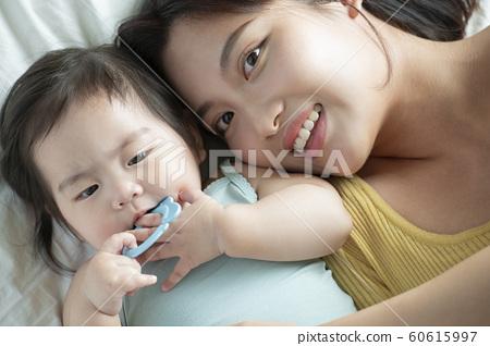 가족 엄마 유아 60615997