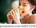 여성 라이프 스타일 식사 60651546