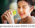 여성 라이프 스타일 식사 60651548