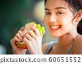여성 라이프 스타일 식사 60651552