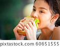 여성 라이프 스타일 식사 60651555