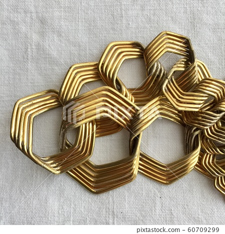 golden necklace 60709299