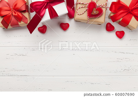 Valentines day greeting card 60807690