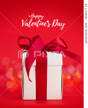Valentines day greeting card 60807719