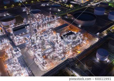 Aerial view of oil Refinery plant 60811991