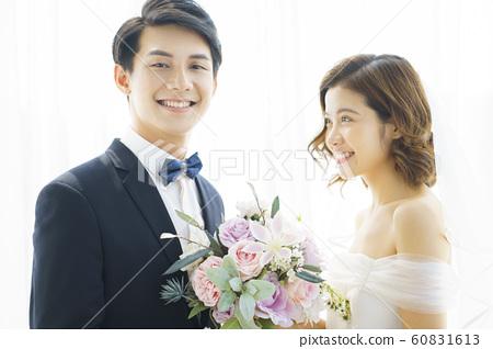 커플 결혼 60831613