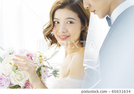 커플 결혼 60831634