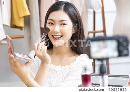 女性美麗影響者 60855636