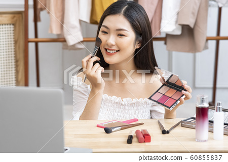 女性美麗影響者 60855837